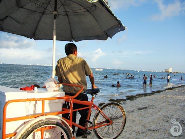 El Niño Beach Cancun